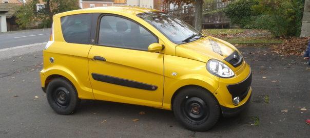 gelbes Miniauto